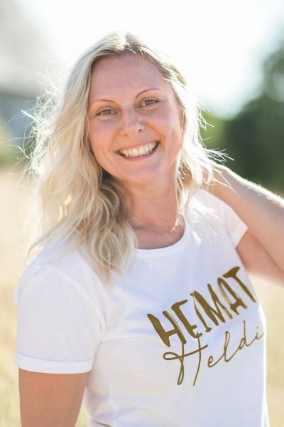 Damen T-Shirt Heimatheldin weiss/gold